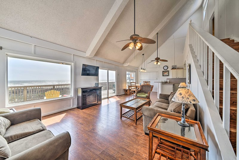 Plan your next Gulf getaway at this 3-bedroom, 2-bathroom vacation rental house.