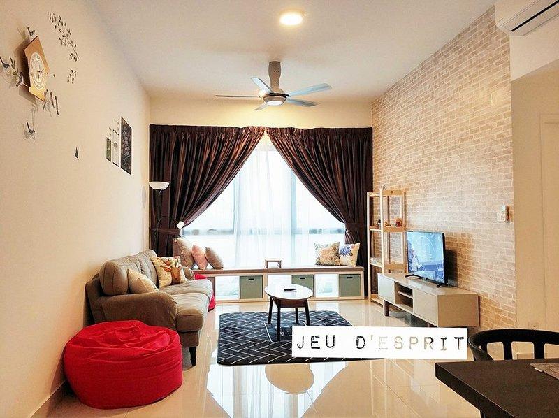 [JEU D'ESPRIT at Puchong] Kinrara Service Residence, holiday rental in Sri Kembangan