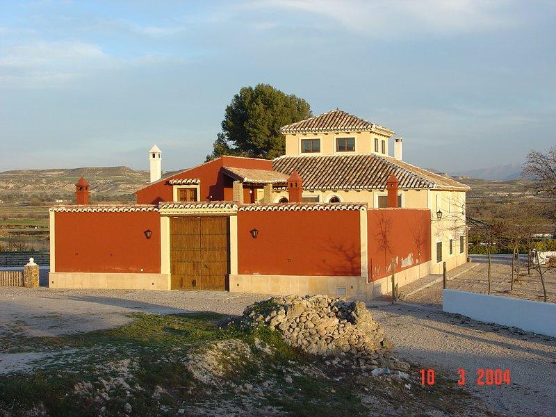 Apartamento III ' Cortijo los Nogales ' Finca Villa Ana.  Dos dormitorios 8 pax, alquiler vacacional en Huéscar