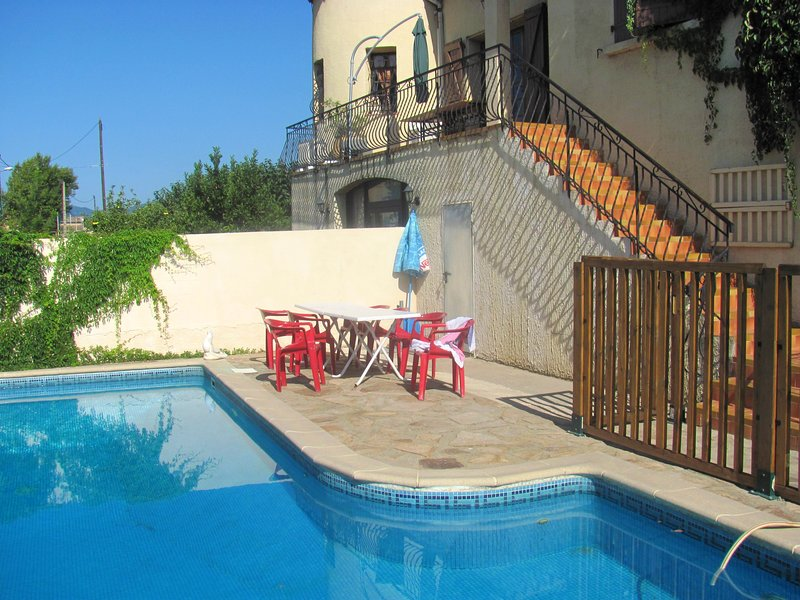 Amazing villa with swimming-pool, holiday rental in Cessenon-sur-Orb