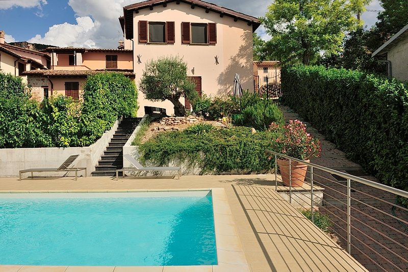 Amazing villa with swimming-pool, vacation rental in Framura