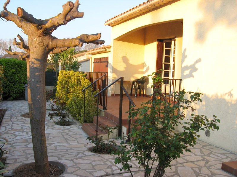 Amazing house with swimming-pool, holiday rental in Florensac