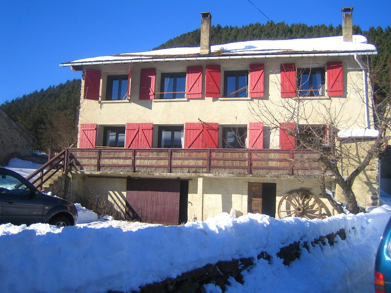 Amazing house with mountain view, holiday rental in Fontrabiouse