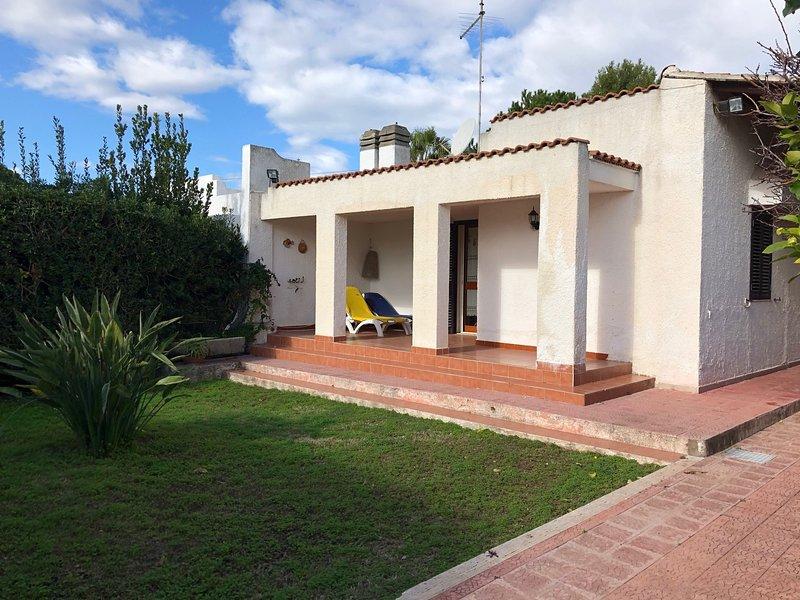 Beautiful house near the beach, holiday rental in Maeggio