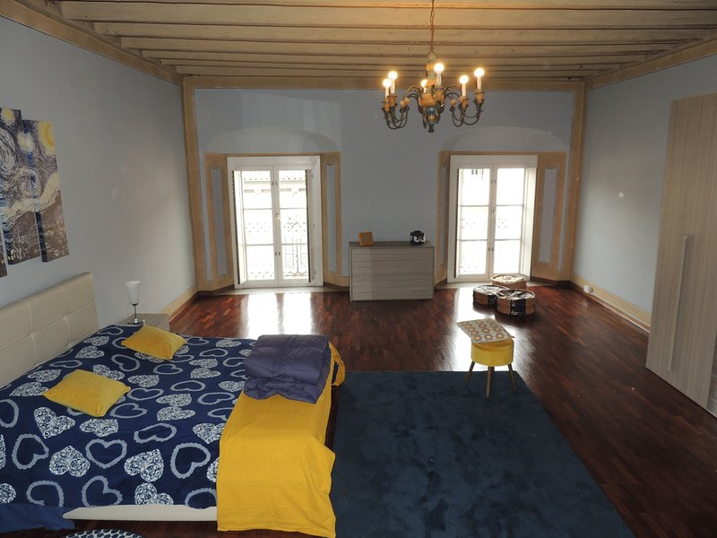 Spacious apartment with terrace, alquiler vacacional en Brescia