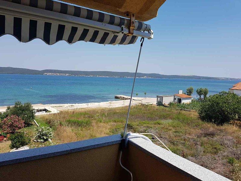 Nice apartment with sea view & Wifi, holiday rental in Dobropoljana
