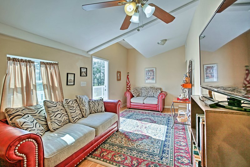Apartment on Bayou Dularge w/ Boat Launch & Deck!, holiday rental in Houma