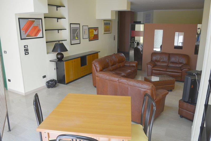 Amazing apartment near the beach, vakantiewoning in Gallina