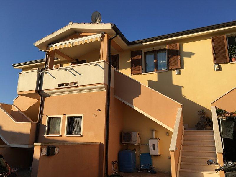Beautiful apt with terrace, holiday rental in Villa San Pietro