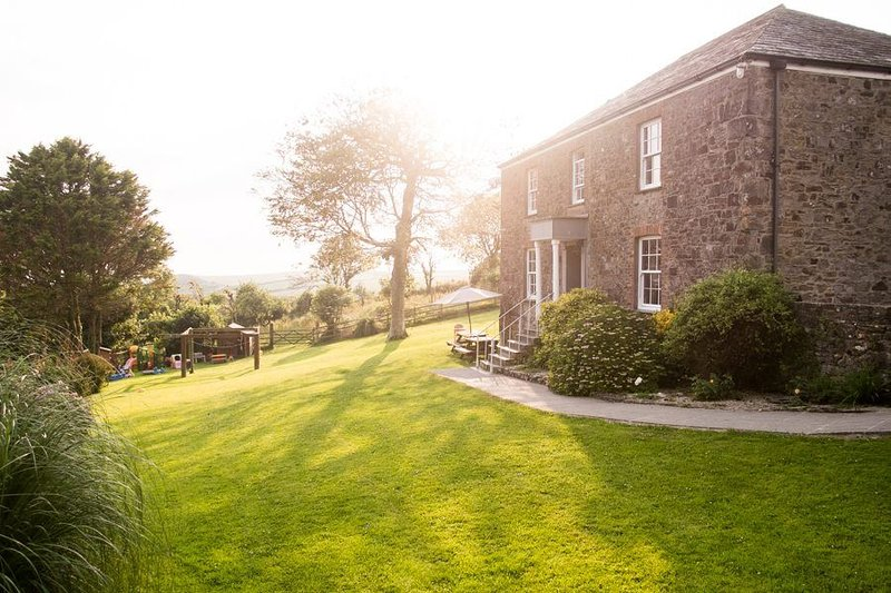 Lower Northcott Farmhouse (Hot tub, Pets), holiday rental in Bude-Stratton