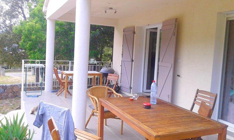 Beautiful house with garden & Wifi, location de vacances à Sari-Solenzara