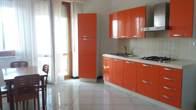 Nice house with sea view & balcony, holiday rental in Casale Modica