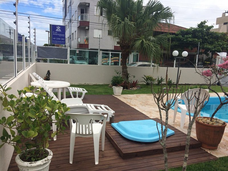 Linda casa de esquina com piscina, alquiler vacacional en Canasvieiras