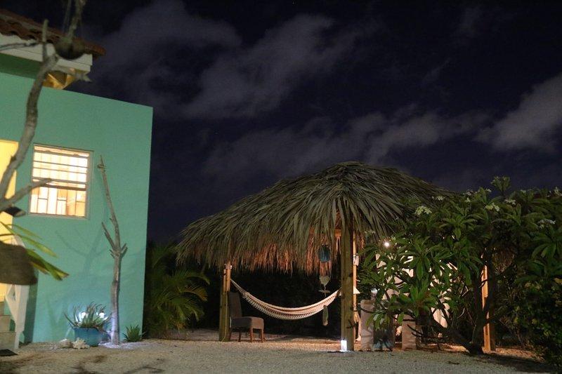 Casa Bonaire bei Nacht
