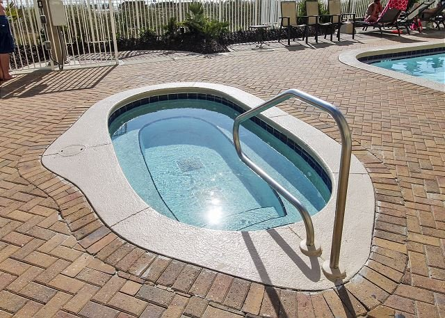 Twin Palms Outdoor Hot Tub