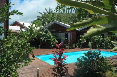 Amazing bungalow with shared pool, casa vacanza a Saint-Philippe