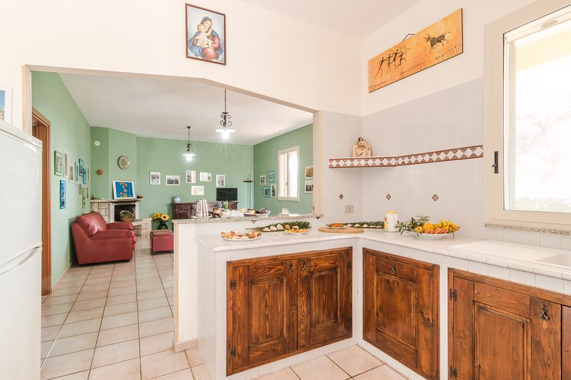 Beautiful house with sea view, holiday rental in Zappulla