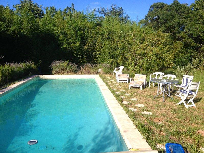Nice house with pool access, location de vacances à Gonfaron