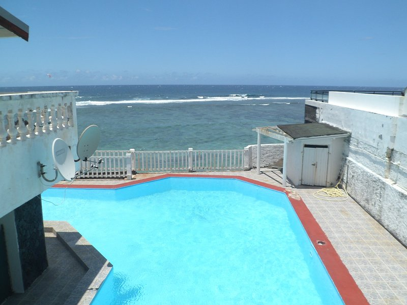 Amazing apartment with shared pool, holiday rental in Saint Pierre