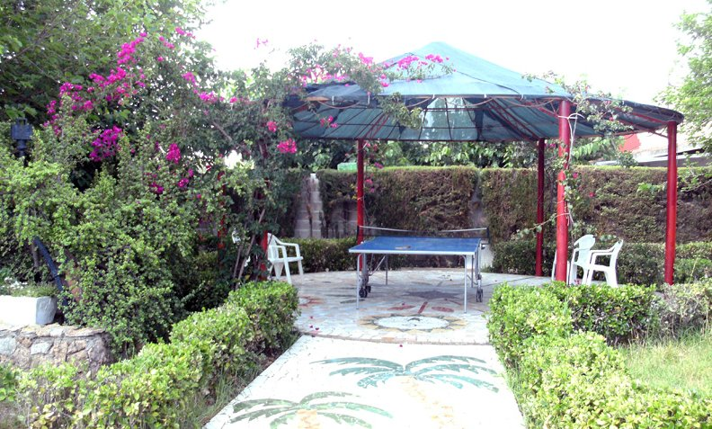 Nice house with pool access & Wifi, holiday rental in Cervera del Maestre