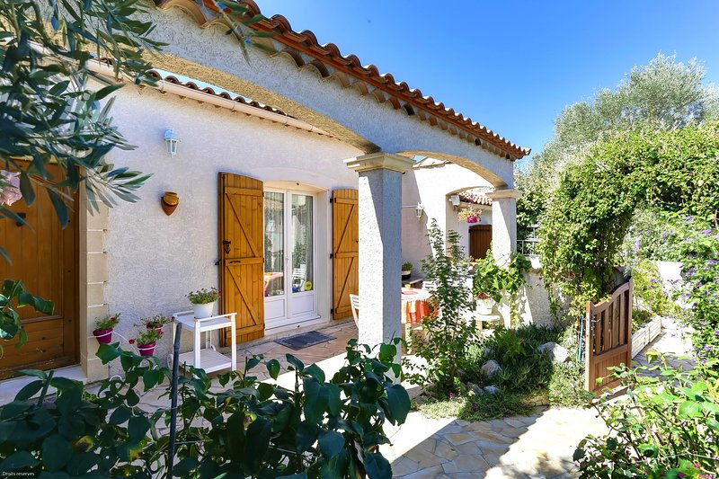 Nice house with garden & terrace, holiday rental in Vendargues