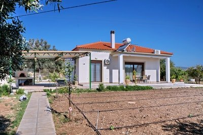 Spacious house with sea view & Wifi, location de vacances à Vatera