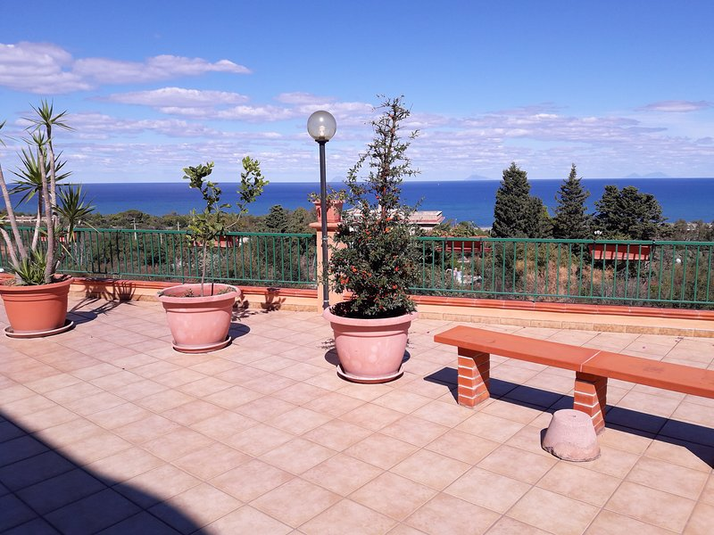 Nice apartment with shared pool, vacation rental in Finale