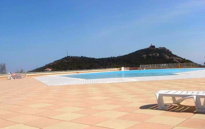 Nice apartment with shared pool, holiday rental in Le Dramont