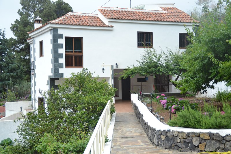 Nice house with sea view & terrace, location de vacances à El Amparo