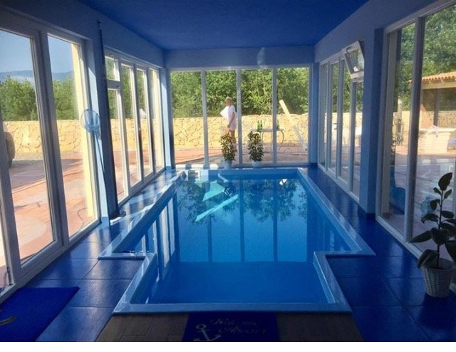 Big villa with swimming-pool & Wifi, vacation rental in Klimno