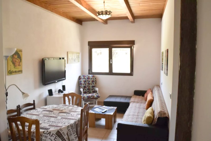 Amazing apartment with shared pool, holiday rental in Churriana de la Vega