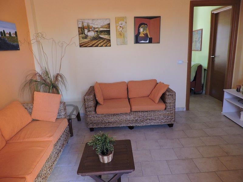 Nice house near the beach & terrace, holiday rental in Pellegrino