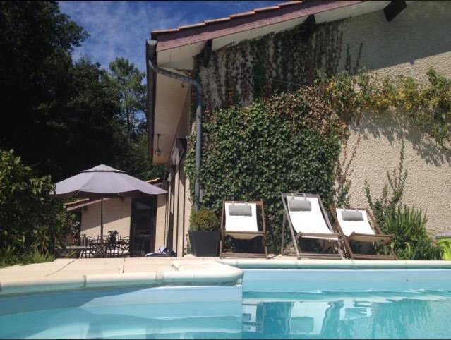 Amazing villa with swimming-pool, holiday rental in Saint-Louis-De-Montferrand
