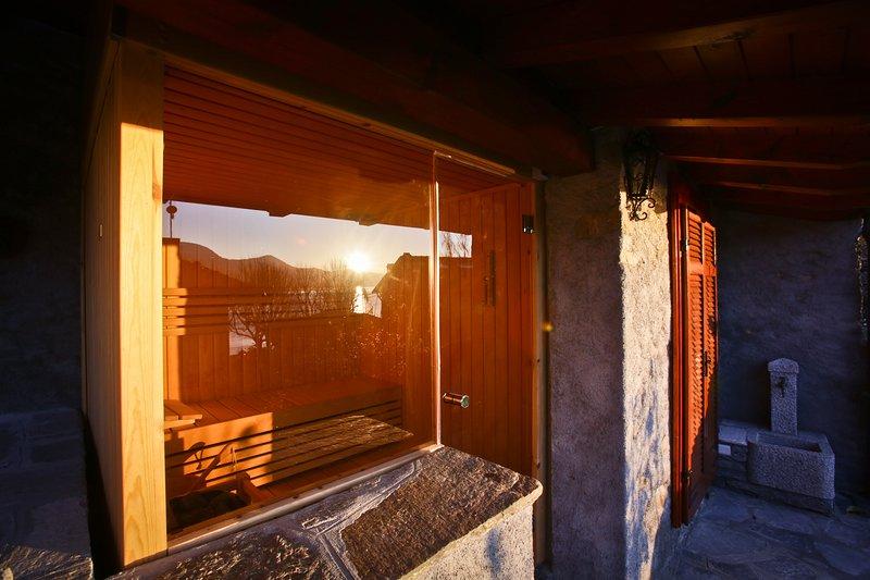 CASA DELLA VITTORIA 4 FRONT LAKE AP3 GARDEN & SPA, alquiler de vacaciones en Poppino