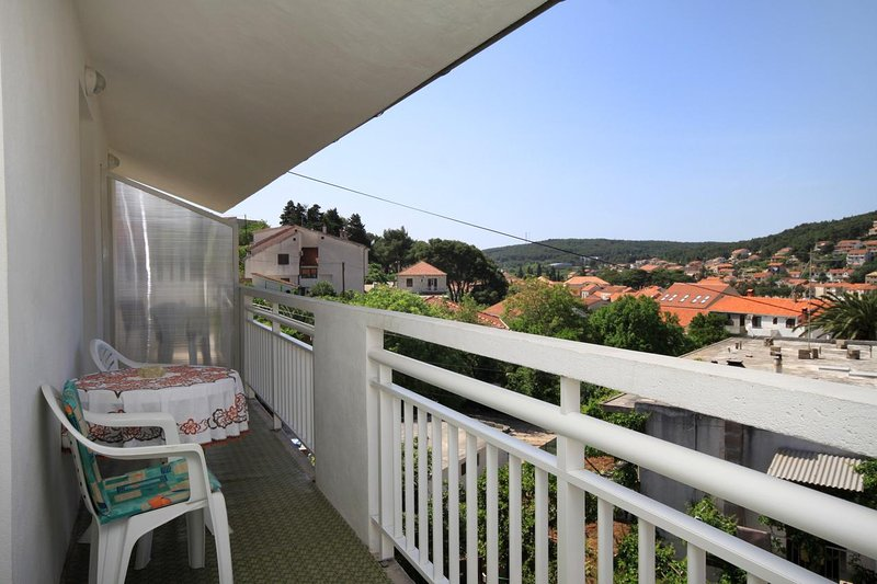 Jelsa Apartment Sleeps 4 with Air Con - 5459003, holiday rental in Pitve