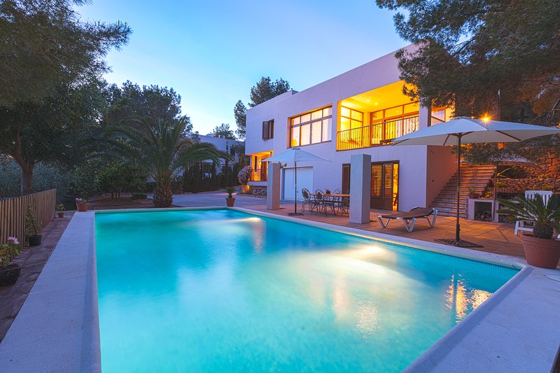 Spacious house with swimming-pool, holiday rental in Sant Antoni de Portmany