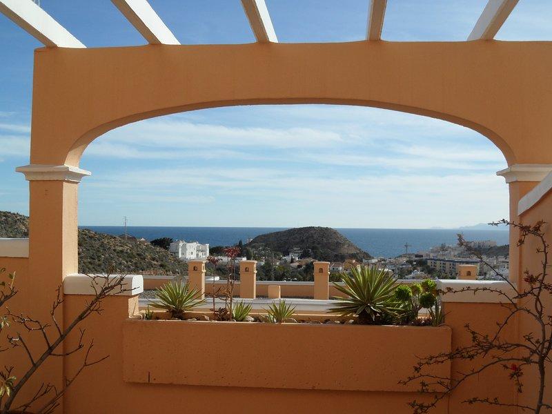 Las Colinas 55 apartment with wonderful views. 2 bedrooms. 15 mins walk to beach, holiday rental in San Juan de los Terreros