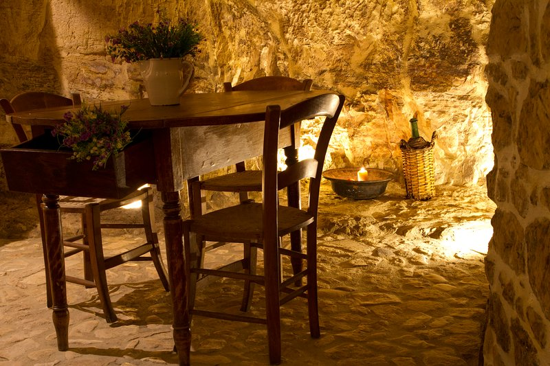 Intimate and romantic corner in the cave, in the living area