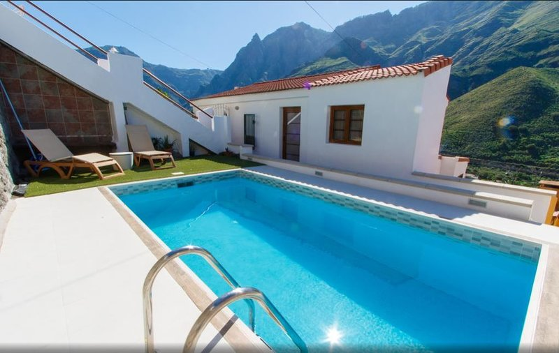 Nice house with swimming-pool, holiday rental in Agaete