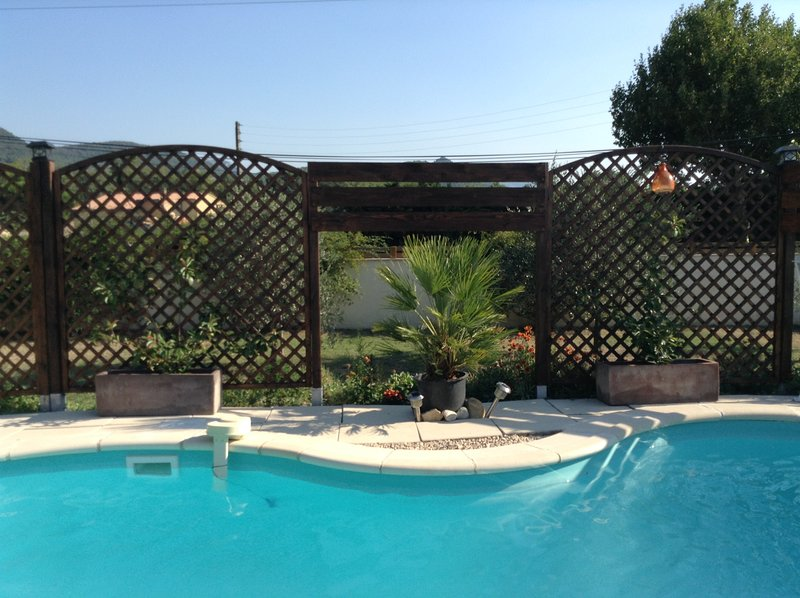 Amazing villa with swimming-pool, holiday rental in Villedieu