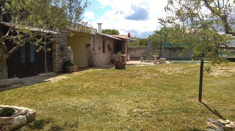 Nice house with garden & terrace, casa vacanza a Krnica