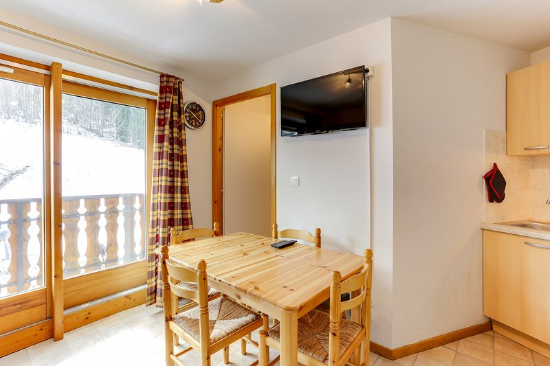 Amazing apt with mountain view, holiday rental in Saint-Gingolph
