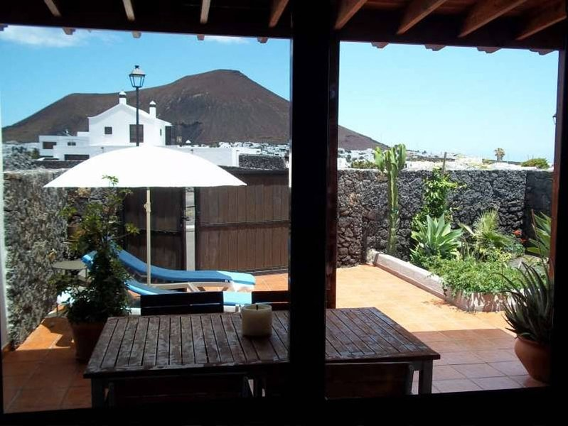 Beautiful house with swimming-pool, location de vacances à Tahiche
