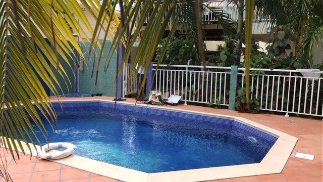 Nice apartment with swimming-pool, location de vacances à Le Lamentin