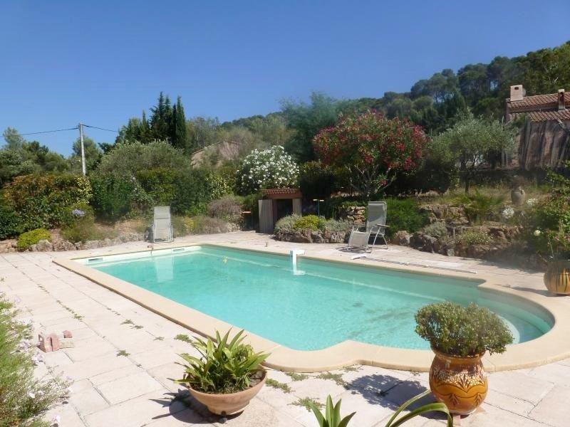 Beautiful studio with shared pool, location de vacances à Pierrefeu-du-Var