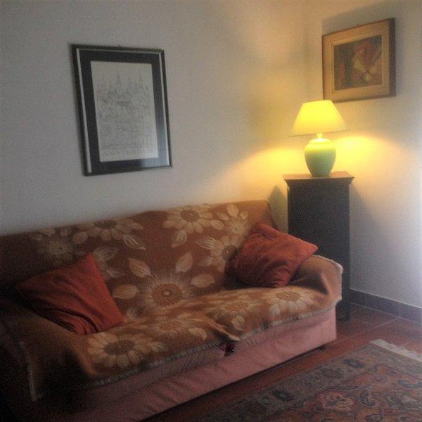 Ca' lo Sgallo, Bologna  down town 80 mq per scoprire la città ed i dintorni, holiday rental in Longara
