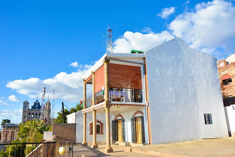 Spacious house with terrace & Wifi, vacation rental in Ankerana
