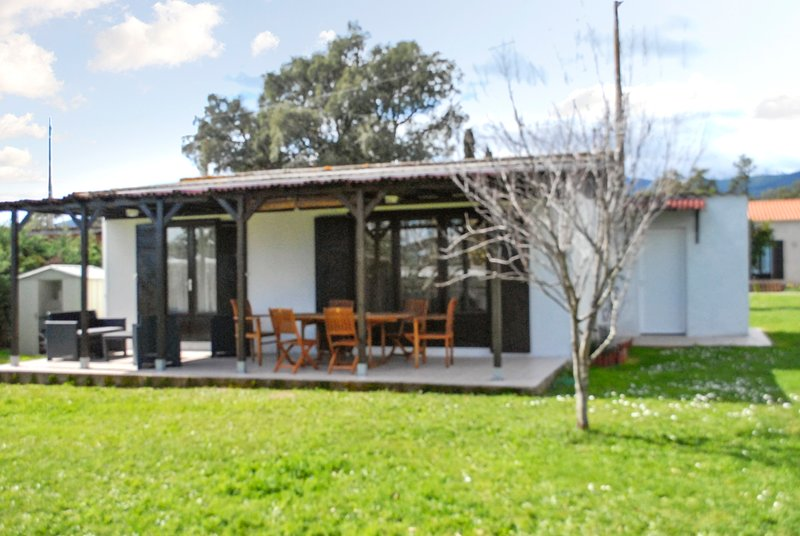 Amazing house with garden & terrace, holiday rental in Zicavo