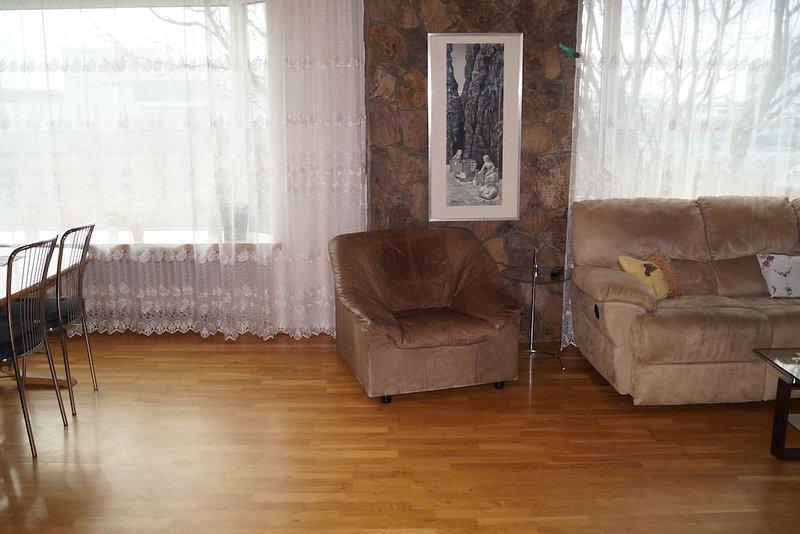 Guesthouse Reykjanesvegur BedRoom 2, location de vacances à Njardvik
