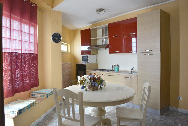 Amazing apartment near the beach, holiday rental in Melito di Porto Salvo